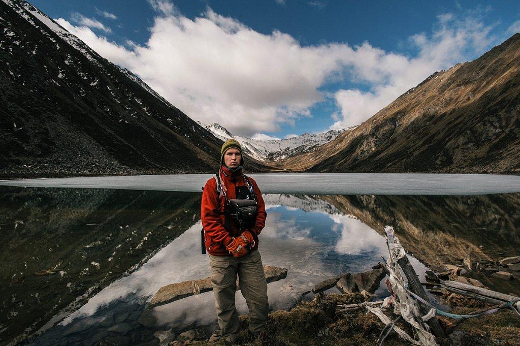 """Тибет. Озеро """"видений"""" Лама Ла Цо, мистическое место в котором Далай Ламы видели свои будующие рождения. Мая 2009г."""